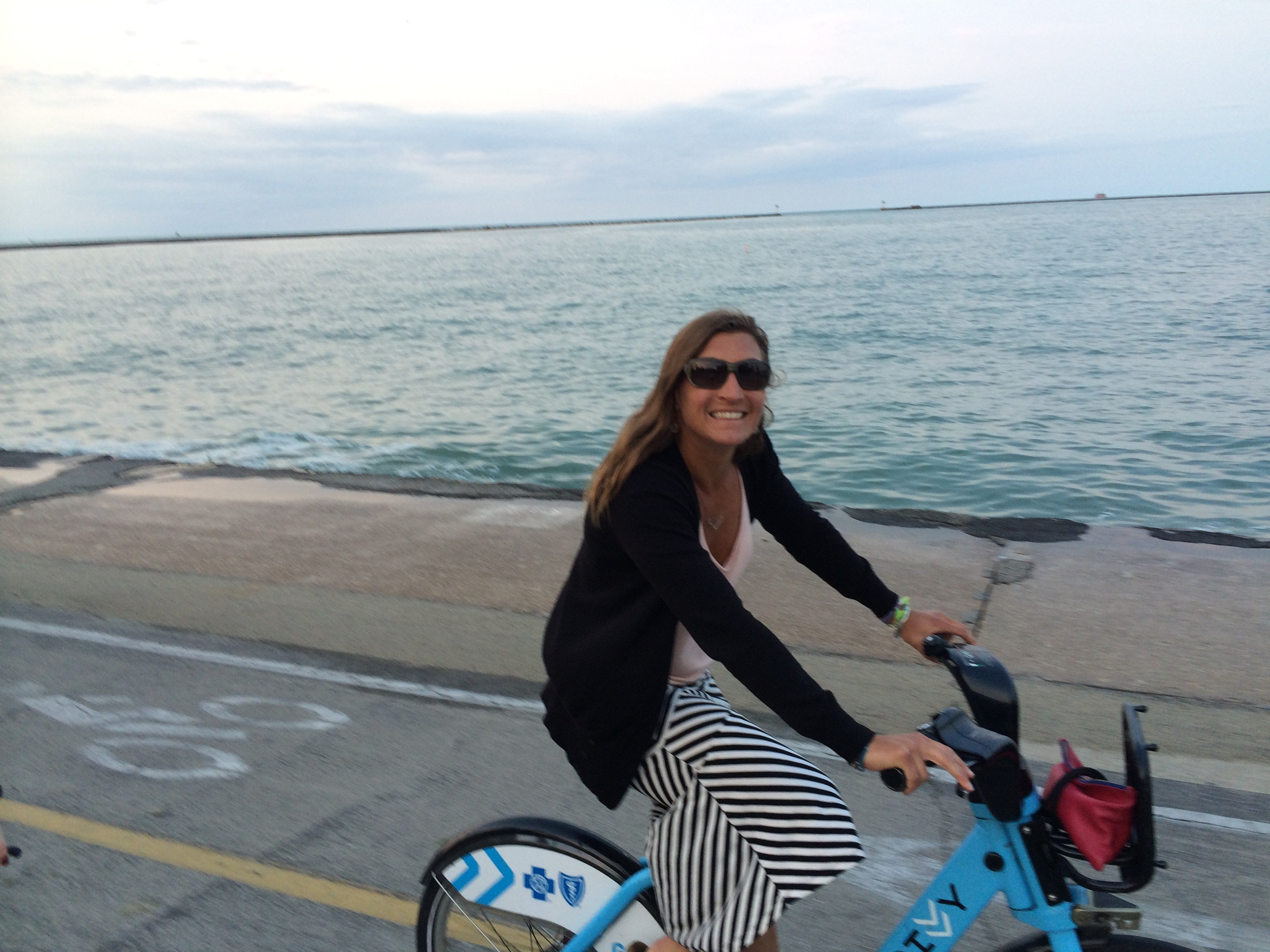 Trying to get some miles in on Chicago's Divvy commuter rental fleet- not exactly 7,000 feet of vert there to train on